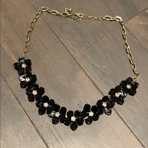 Forever 21 black and gold flower necklace